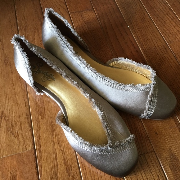 Seychelles Chaussures Satin Anthropologie Fringe Satin Chaussures Flats 85 Poshmark a96b10